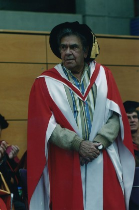 Chicka Dixon being awarded an Honorary Doctorate of Letters at UNSW in 2006